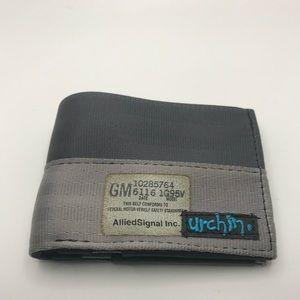 Men's Urchin recycled vegan seatbelt wallet new